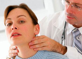 Ребенок кувыркался болит шея не может поворачивать голову