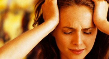 мушки перед глазами и головная боль